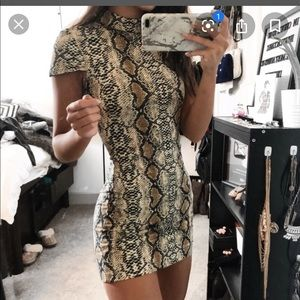 I.am.gia snake print midi dress medium